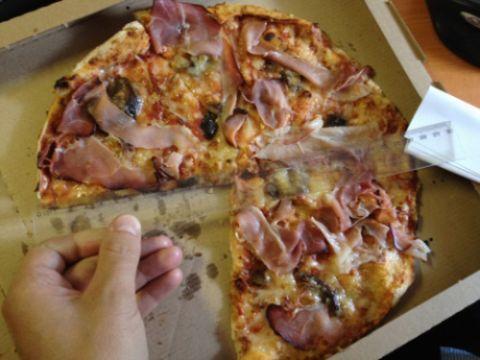 Pizza velká – průměr necelých 28 cm